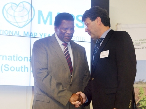 Mr Gugile Nkwinti (Minister of Rural Development and Land Reform) and Prof Georg Gartner (ICA President)